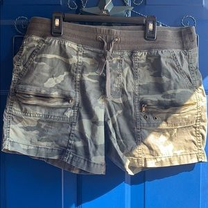 Sonoma Camo green shorts